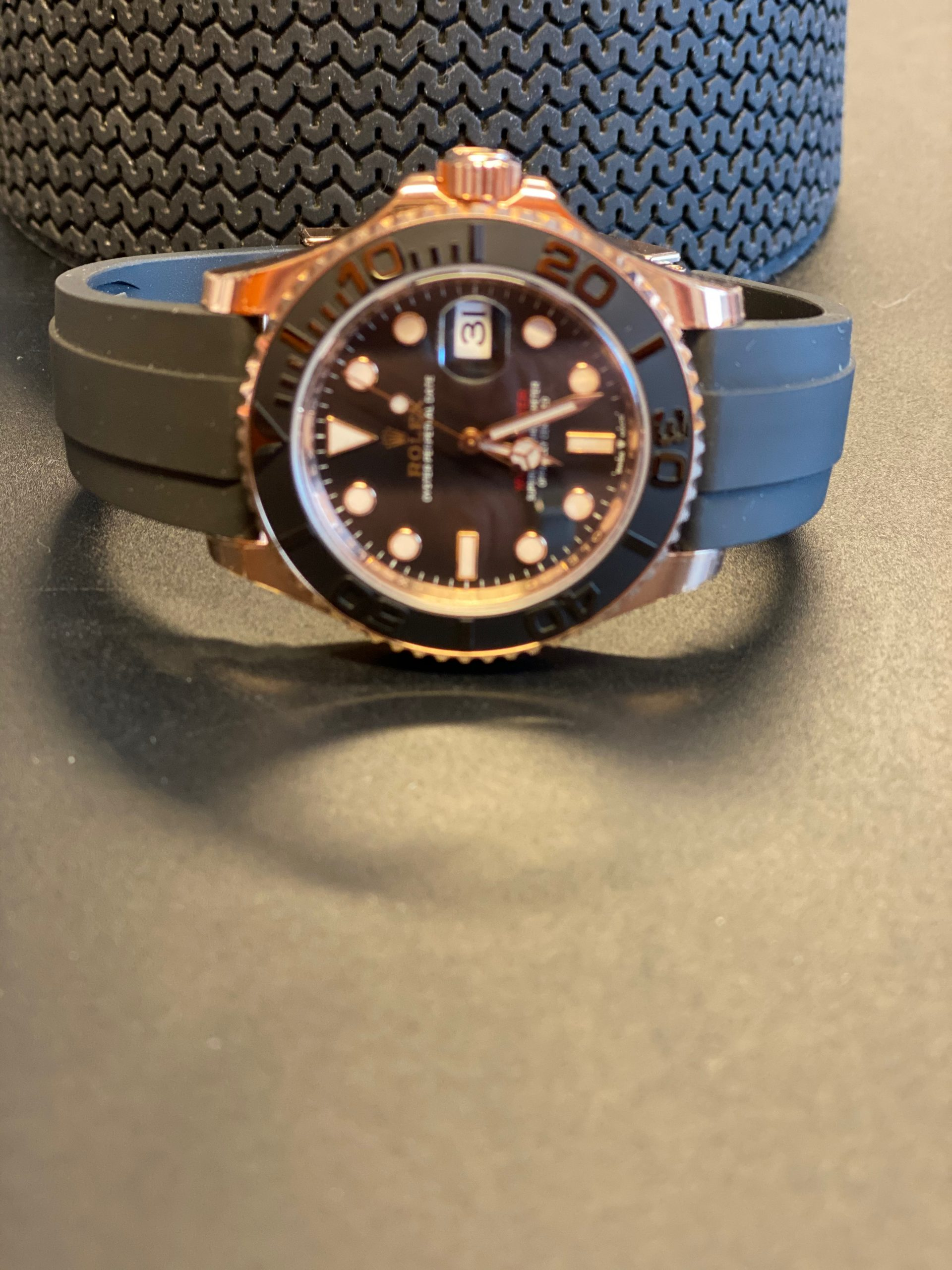 Rolex Oyster Perpetual Yacht-Master 40 in 18 ct Everose gold with an Oysterflex bracelet